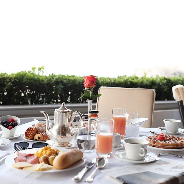 Could definitely go for a brunch like this today! Happyhellip